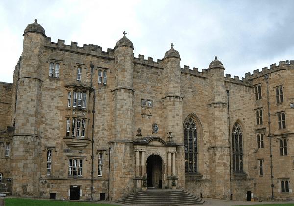 Даремский замок. Англия, г.Дарем. Возведен в XI веке с использованием цемента