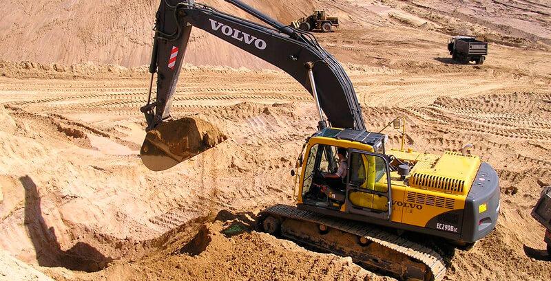 Карьерный песок добывают при разработке песчаных месторождений