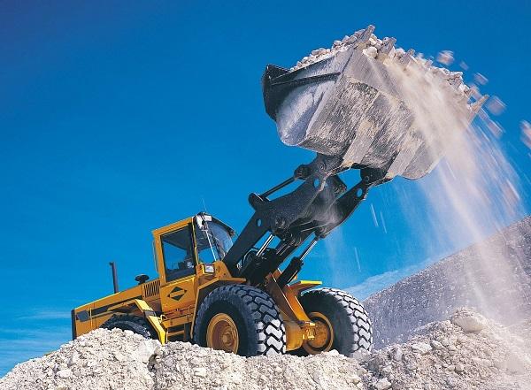 Добыча песка из карьера
