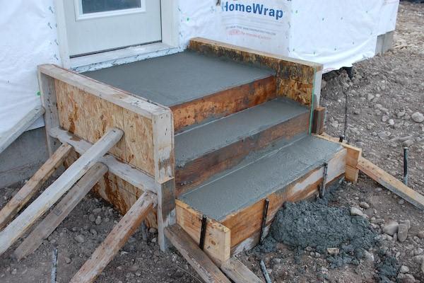 заливка крыльца бетоном